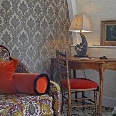 Отель Relais Christine Франция, Париж - отзывы, цены и фото номеров - забронировать отель Relais Christine онлайн удобства в номере фото 2
