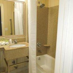 Отель Holiday Inn LaGuardia Airport США, Нью-Йорк - отзывы, цены и фото номеров - забронировать отель Holiday Inn LaGuardia Airport онлайн ванная фото 2