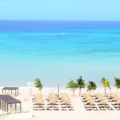 Отель Royalton Blue Waters - All Inclusive Ямайка, Дискавери-Бей - отзывы, цены и фото номеров - забронировать отель Royalton Blue Waters - All Inclusive онлайн пляж