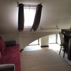 Гостиница Усадьба Приморский парк в Алуште 2 отзыва об отеле, цены и фото номеров - забронировать гостиницу Усадьба Приморский парк онлайн Алушта комната для гостей фото 2