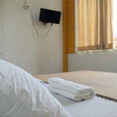 Warm White Hostel сейф в номере