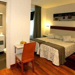 Отель Pension San Sebastian Centro сейф в номере