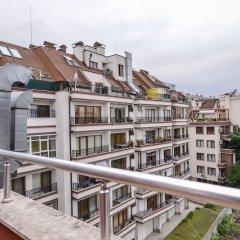 Отель FM Deluxe 2-BDR - Apartment - The Maisonette Болгария, София - отзывы, цены и фото номеров - забронировать отель FM Deluxe 2-BDR - Apartment - The Maisonette онлайн балкон