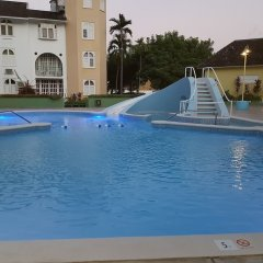 Апартаменты Apartment Treasure бассейн