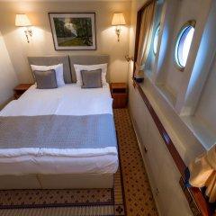 Отель OnRiver Hotels - MS Cezanne сейф в номере