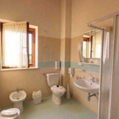 Hotel Ristorante Mira Conero Порто Реканати ванная