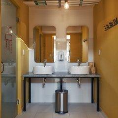 Отель Mayan Monkey Los Cabos - Hostel - Adults Only Мексика, Золотая зона Марина - отзывы, цены и фото номеров - забронировать отель Mayan Monkey Los Cabos - Hostel - Adults Only онлайн ванная