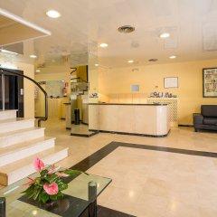 Отель Aparthotel Bertran Испания, Барселона - отзывы, цены и фото номеров - забронировать отель Aparthotel Bertran онлайн интерьер отеля