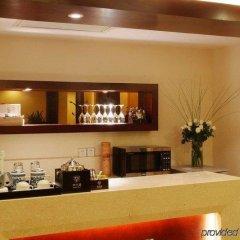 Отель Royal Court Hotel Китай, Шанхай - отзывы, цены и фото номеров - забронировать отель Royal Court Hotel онлайн гостиничный бар