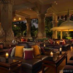Отель The Leela Palace Bangalore интерьер отеля фото 2