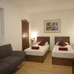 Отель Marco Polo Hostel Мальта, Сан Джулианс - отзывы, цены и фото номеров - забронировать отель Marco Polo Hostel онлайн комната для гостей фото 3