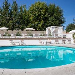 Отель Oxygen Lifestyle Helvetia Parco Римини бассейн