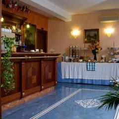 Отель Rimini Италия, Рим - 4 отзыва об отеле, цены и фото номеров - забронировать отель Rimini онлайн гостиничный бар