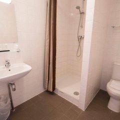 Отель Amsterdam Teleport Hotel Нидерланды, Амстердам - 5 отзывов об отеле, цены и фото номеров - забронировать отель Amsterdam Teleport Hotel онлайн ванная