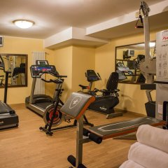 Santa Barbara Hotel Сан-Донато-Миланезе фитнесс-зал