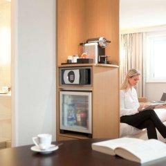 Отель Novotel Zurich City-West Швейцария, Цюрих - 9 отзывов об отеле, цены и фото номеров - забронировать отель Novotel Zurich City-West онлайн удобства в номере фото 2