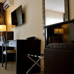 Отель New Brookfields Hotel Сьерра-Леоне, Фритаун - отзывы, цены и фото номеров - забронировать отель New Brookfields Hotel онлайн удобства в номере фото 2
