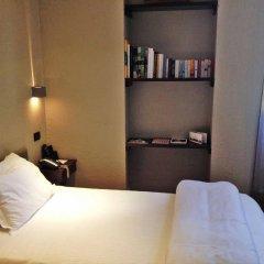 Отель Town House 12 сейф в номере