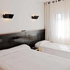 Отель Hostal Athenas комната для гостей фото 6
