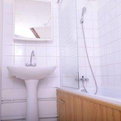 Отель Au coeur de Lyon - Place Bellecour Франция, Лион - отзывы, цены и фото номеров - забронировать отель Au coeur de Lyon - Place Bellecour онлайн ванная
