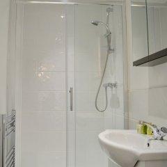 Отель Modern 3 Bedroom House in Northen Quarter ванная фото 2