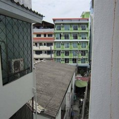 18 Coins Cafe & Hostel балкон
