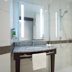 Отель Хэмптон бай Хилтон Санкт-Петербург Экспофорум ванная фото 2