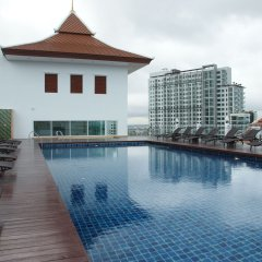 Aiyara Grand Hotel бассейн фото 3