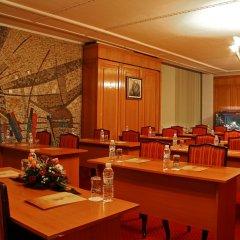 Отель Парк-Отель Санкт-Петербург Болгария, Пловдив - отзывы, цены и фото номеров - забронировать отель Парк-Отель Санкт-Петербург онлайн питание