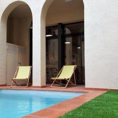 Отель Ten To Go Hostel Испания, Барселона - отзывы, цены и фото номеров - забронировать отель Ten To Go Hostel онлайн бассейн фото 2