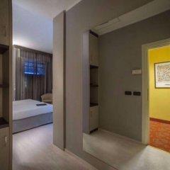 Hotel Maggiore Bologna сейф в номере