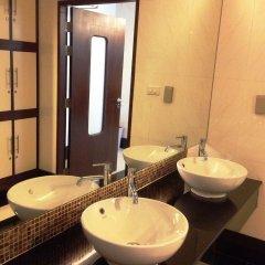 Отель August Suites Pattaya Паттайя ванная фото 4