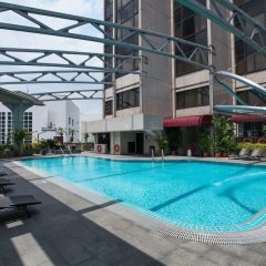 Отель Furama City Centre бассейн фото 2