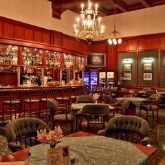 Отель Esplanade Spa and Golf Resort гостиничный бар