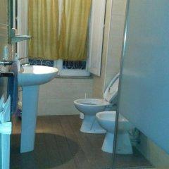 Отель Conte Rosso Италия, Рим - 1 отзыв об отеле, цены и фото номеров - забронировать отель Conte Rosso онлайн ванная фото 2