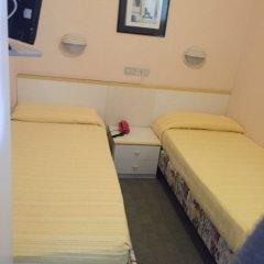 Отель Brenta Италия, Римини - 1 отзыв об отеле, цены и фото номеров - забронировать отель Brenta онлайн комната для гостей фото 4