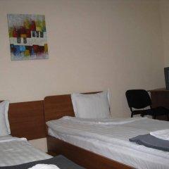 Отель Guesthouse Sonata Болгария, Кюстендил - отзывы, цены и фото номеров - забронировать отель Guesthouse Sonata онлайн сейф в номере