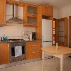 Ericeira Chill Hill Hostel & Private Rooms - Sea Food в номере
