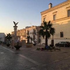 Отель Il Borgo Ritrovato - Albergo Diffuso Бернальда парковка