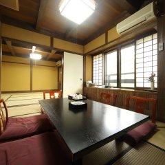 Отель Kurokawa Onsen Ryokan Wakaba Минамиогуни комната для гостей фото 2