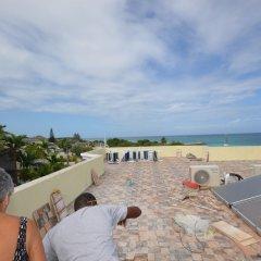 Отель Dukes Hideaway, Silver Sands 6BR пляж