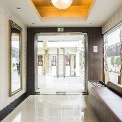 Отель Green Bells Residence New Petchburi Бангкок интерьер отеля фото 2