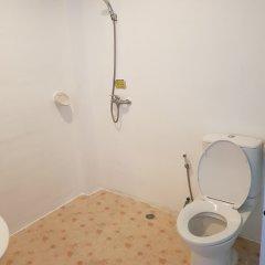 Отель Hi Karon Beach Dormtel ванная