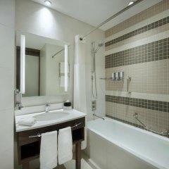 Отель Hampton by Hilton Dubai Airport ванная фото 2