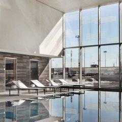 Отель Aloft London Excel Великобритания, Лондон - отзывы, цены и фото номеров - забронировать отель Aloft London Excel онлайн бассейн фото 3