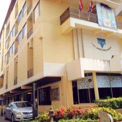 Отель YWCA International House Bangkok вид на фасад