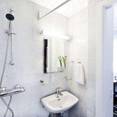 Отель Astoria Дания, Копенгаген - 6 отзывов об отеле, цены и фото номеров - забронировать отель Astoria онлайн ванная
