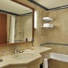 Отель Crowne Plaza Jordan Dead Sea Resort & Spa Иордания, Сваймех - отзывы, цены и фото номеров - забронировать отель Crowne Plaza Jordan Dead Sea Resort & Spa онлайн ванная фото 2