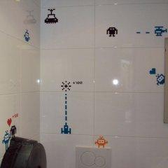 Отель The Flying Pig Uptown Нидерланды, Амстердам - отзывы, цены и фото номеров - забронировать отель The Flying Pig Uptown онлайн ванная