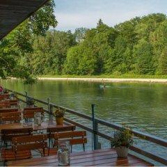 Отель Munich Camping Glamping and Dorms Мюнхен приотельная территория фото 2